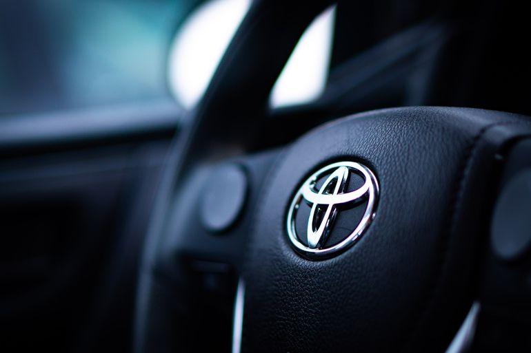 Toyota zaprezentuje w przyszłym roku prototyp EV z akumulatorem półprzewodnikowym