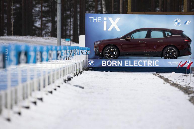 BMW iX w trasie po Europie - zobaczcie jak się prezentuje w zimowej scenerii!