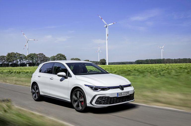 Volkswagen Golf GTE z napędem hybrydowy typu plug-in już dostępny na polskim rynku. Znamy jego cenę!