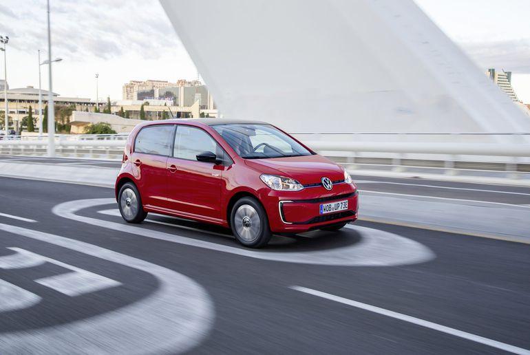 Volkswagen e-up! - elektryczny mieszczuch wraca do gry. Zasięg: 260 km