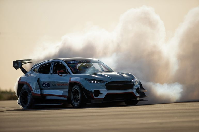 Ford Mustang Mach-E 1400, Puma ST, Fiesta Stard - mocne trio na Goodwood SpeedWeek