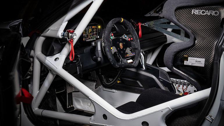 Porsche 718 Cayman GT4 Clubsport - lżejsza i bezpieczniejsza