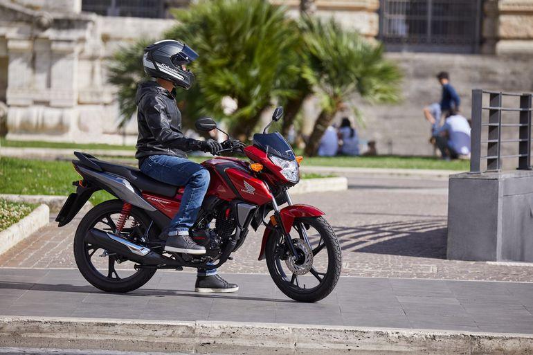 Honda CB125F 2021 - maszyna o wielu obliczach. Dane techniczne