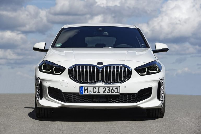 Kompaktowe BMW 128ti zalicza ostatnie okrążenia testowe na torze Nürburgring