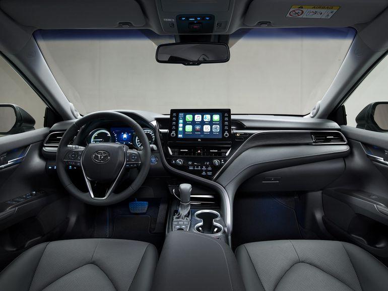 Toyota Camry Hybrid po liftingu. Zobaczcie zdjęcia!