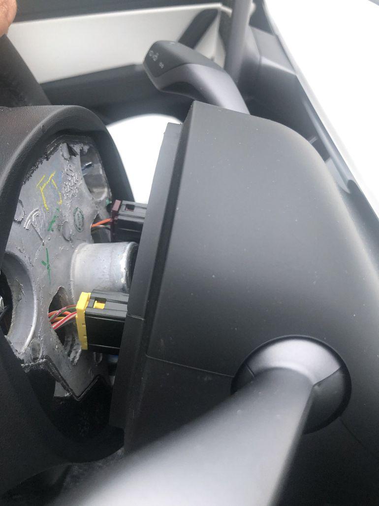 Tesla 3 zafundowała kierowcy nie lada niespodziankę...
