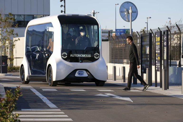 Toyota E-Palette - do złudzenia przypominają małe wagony metra. Kiedy pojawią się na japońskich drogach?