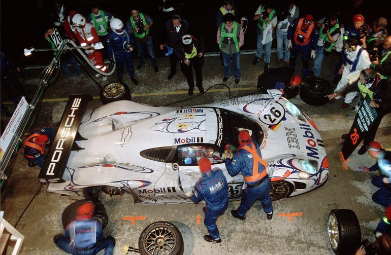 Mija 50 lat od pierwszego sukcesu Porsche w Le Mans. Wspominamy pamiętny wyścig