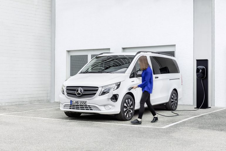 Nowy eVito Tourer już w sprzedaży w Polsce - elektryczny shuttle bus. Znamy cenę!