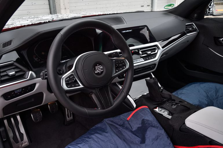 Zakamuflowane BMW M3 Limuzyna i BMW M4 Coupé na torze wyścigowym