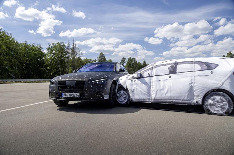 Mercedes Benz Klasa S: jak działa aktywne zawieszenie E-active body control?