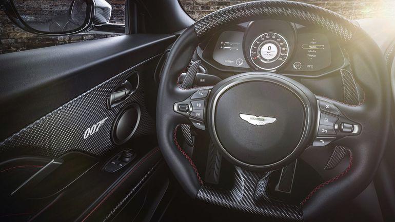 Aston Martin świętuje premierę 25. filmu o Jamesie Bondzie nowymi sportowymi samochodami z edycji 007