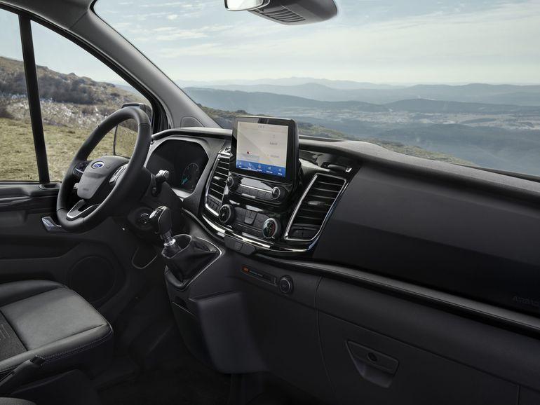 Ford przedstawił nowe wersje Trail i Active dla modeli Transit i Tourneo