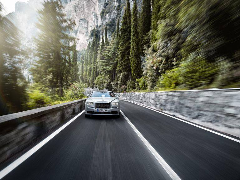 Rolls-Royce opublikował pierwsze oficjalne zdjęcia Dawn Silver Bullet