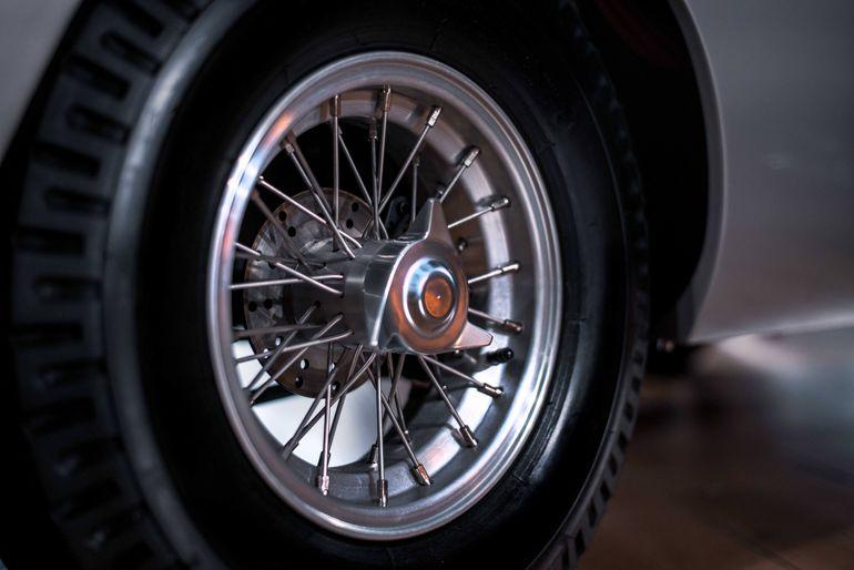 Aston Martin DB5 Junior – elektryczna wersja kultowego samochodu w skali 2/3