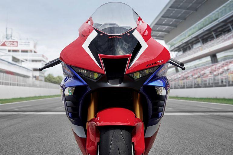 Nowa Honda Fireblade CBR1000RR-R. Dane techniczne