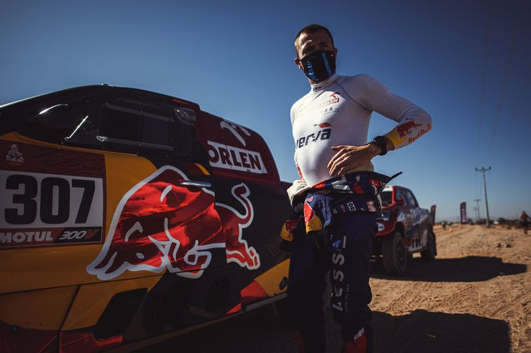 Rajd Dakar 2021: coraz bliżej mety, coraz więcej trudności