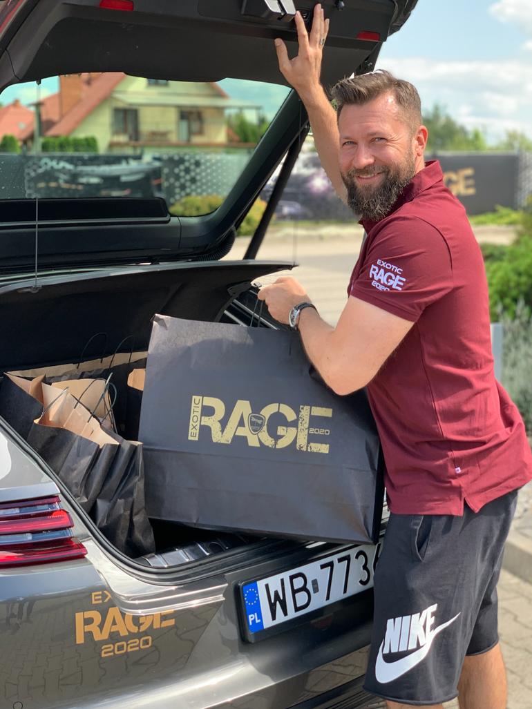 Exotic Rage, czyli superszybkie sportowe auta z wielkim sercem do pomocy