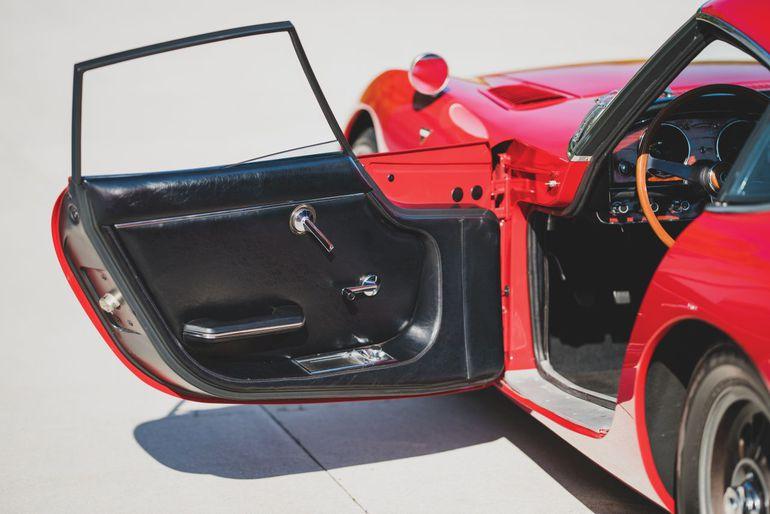 Piękna, sportowa Toyota 2000GT z 1967 roku wystawiona sprzedaż. Czy osiągnie cenę miliona dolarów?