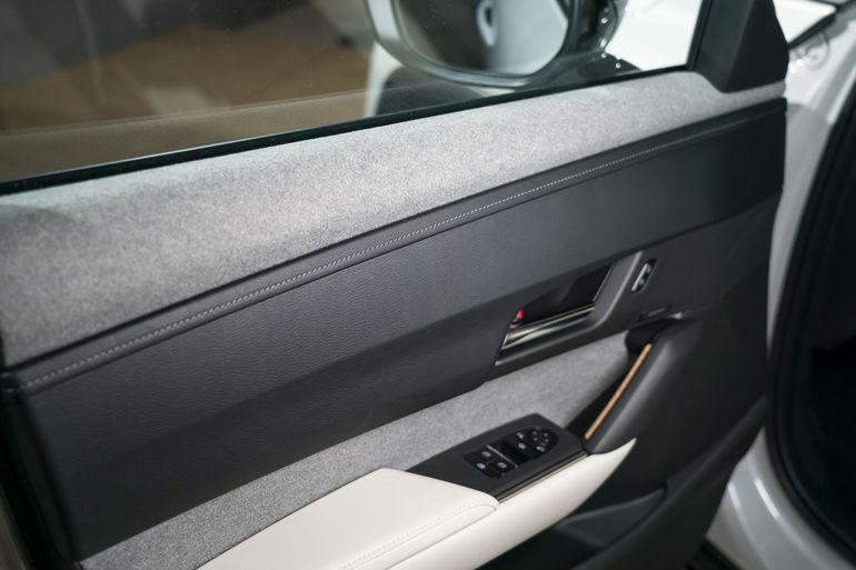 Elektryczna Mazda MX-30 zbudowana jest z tworzyw sztucznych z recyklingu