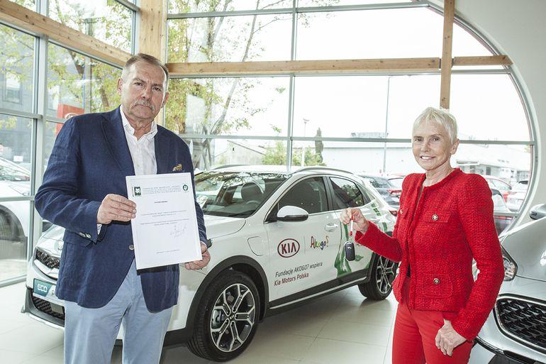 Kia Motors Polska wspiera fundację Ewy Błaszczyk