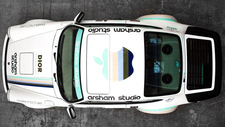 Amerykański artysta uwiecznił swoje życie na Porsche 911 z 1986 roku. Wygląda obłędnie!
