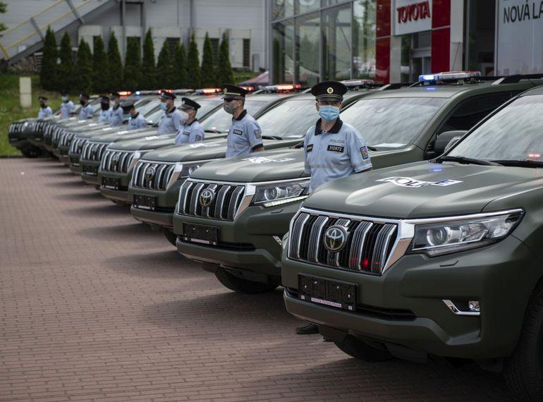 Czeska policja będzie strzec prawa w terenowych Land Cruiserach