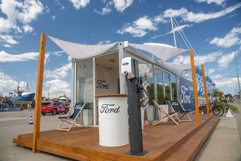 Wybieracie się nad morze? Zajrzyjcie na Letni Salon Forda w Porcie Jastarnia!