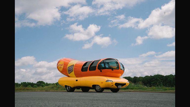 Wienermobile - mobilny nocleg stworzony dla fanów hot dogów