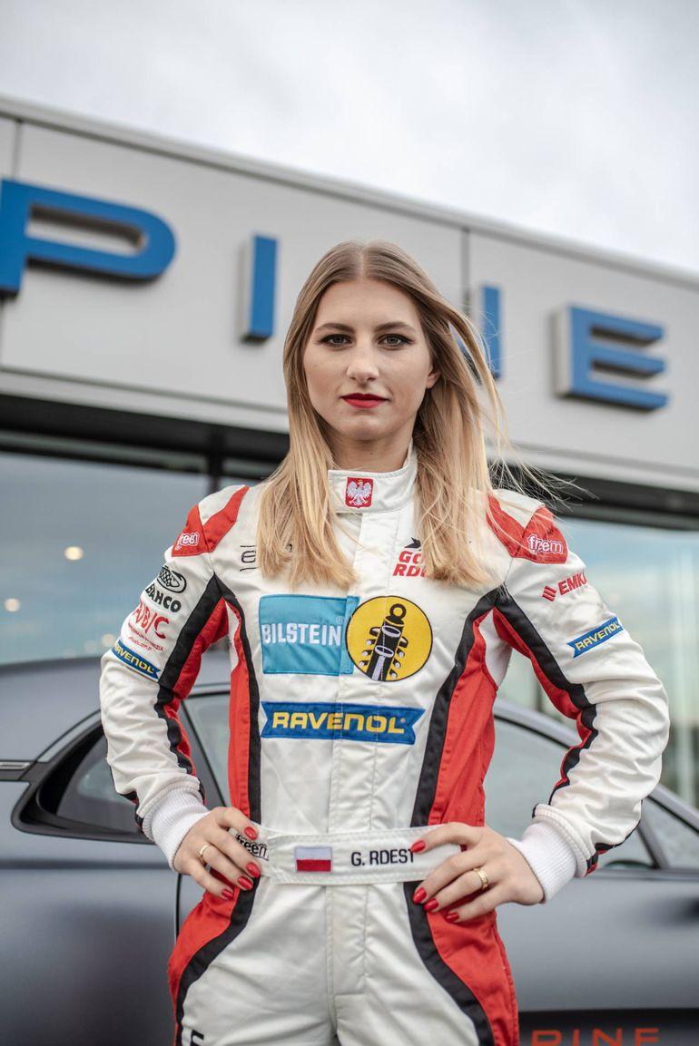 Gosia Rdest - pierwsza Polka i jedyna kobieta w Alpine Elf Europa Cup
