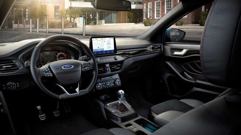 Ford Focus EcoBoost mHEV - wnętrze