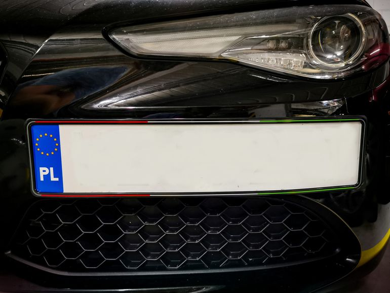 Ramki na tablice rejestracyjne - wzór Italia