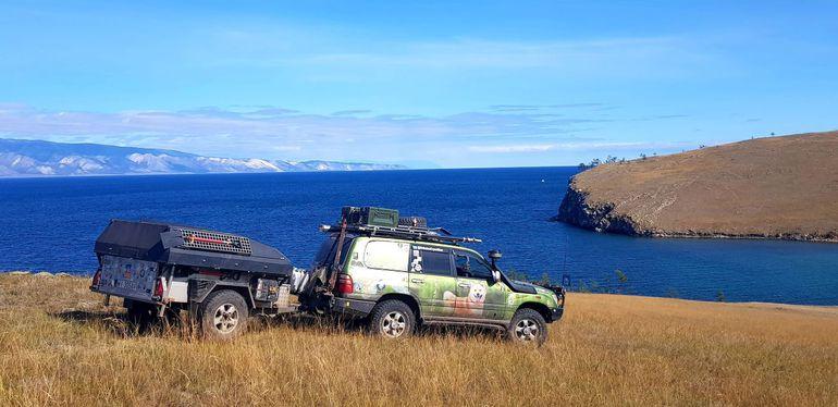 Susza a wyprawy samochodowe. Miłośnicy podróży radzą jak pozyskiwać i oszczędzać wodę