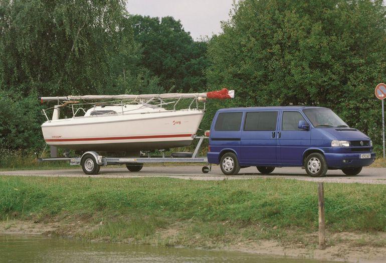 Trzy dekady temu zadebiutował Transporter T4 – pierwszy dostawczy Volkswagen z napędem na przednią oś