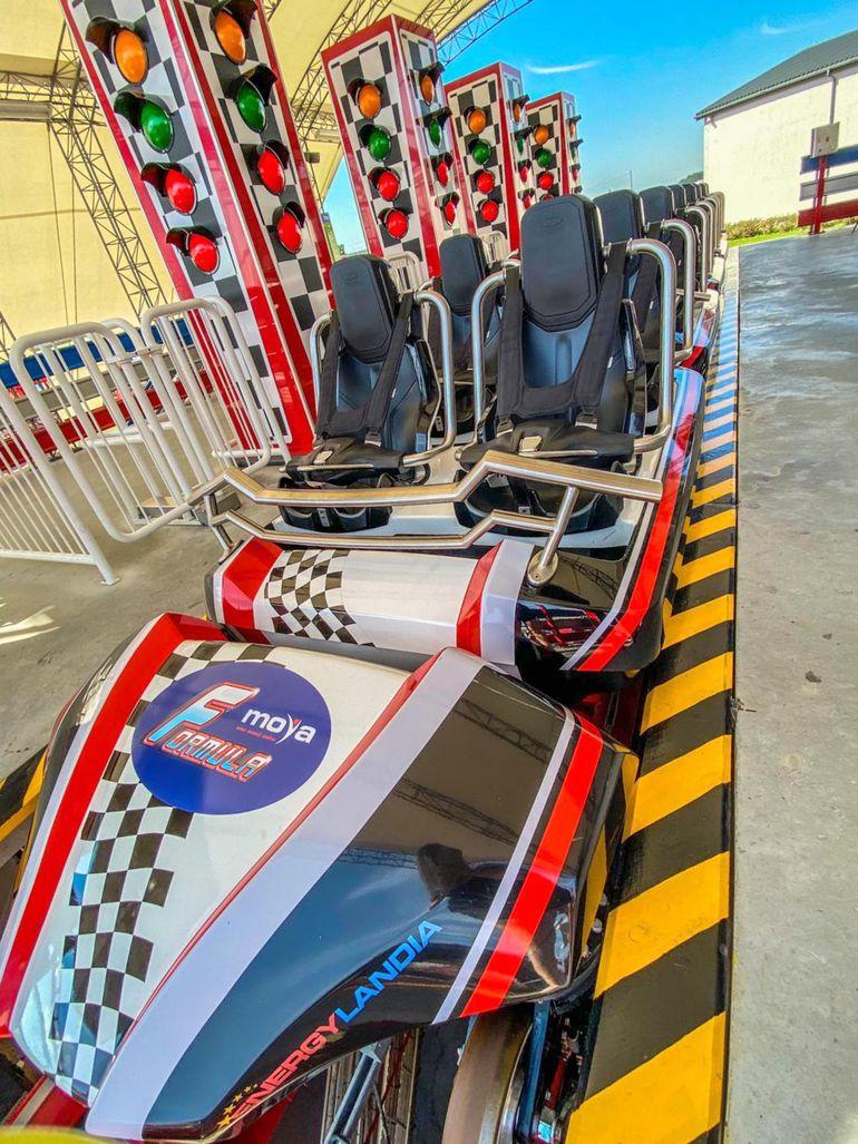Nowa strefa rozrywki w Energylandii - autodrom i szybki rollercoaster dla miłośników wrażeń!