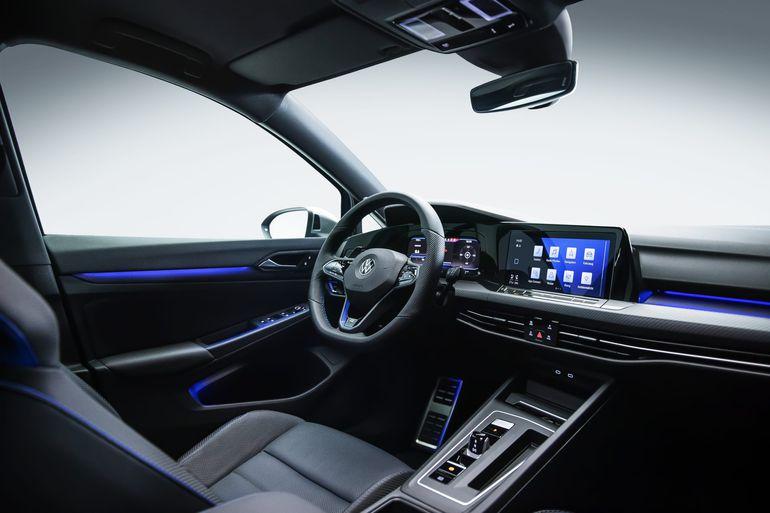 Volkswagen Golf R zaprezentowany. 320 KM, niecałe 5 sekund do