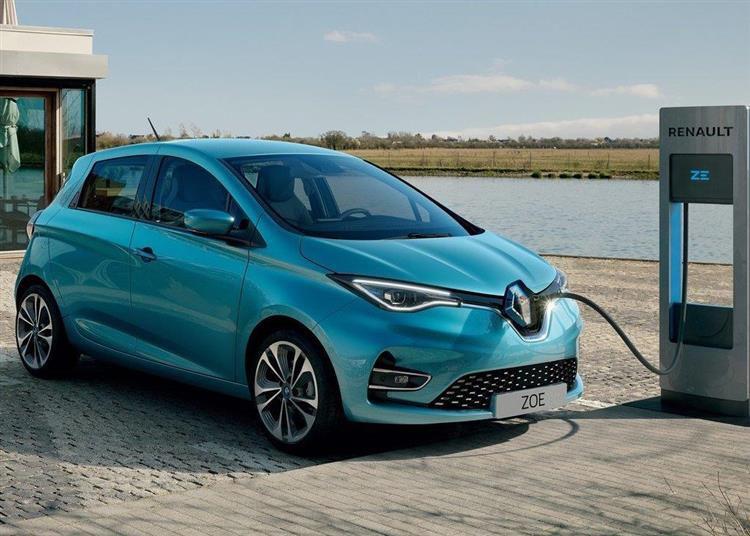 We francuskiej miejscowości wszyscy mieszkańcy będą jeździć elektrycznymi Renault ZOE