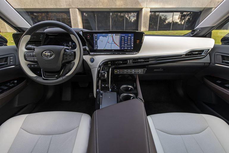 Toyota Mirai 2021 jest tańsza od poprzedniej generacji w USA! Ile kosztuje?