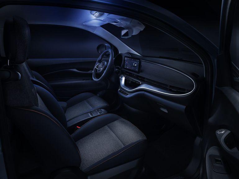 Elektryczny Fiat 500 - Mopar stworzył zestaw akcesoriów
