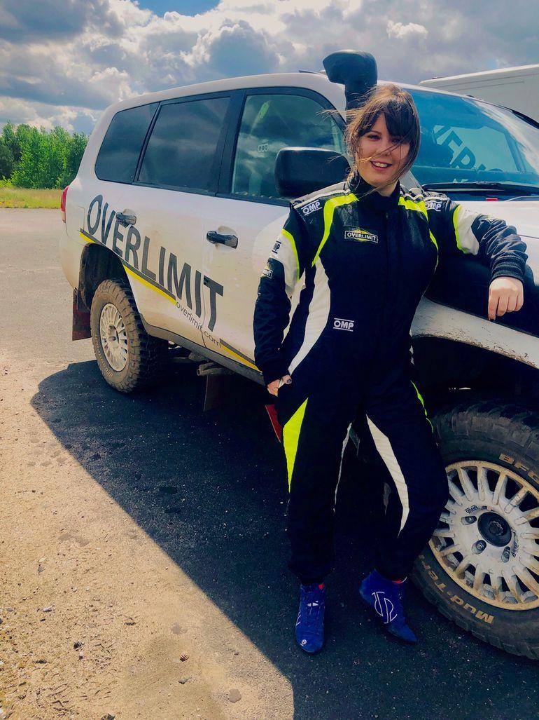 Patrycja Brochocka - kobieta za kierownicą potężnej rajdowej terenówki