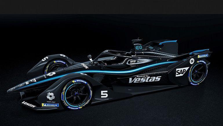 Czarne bolidy Mercedesa w Formule E. Tak Srebrne Strzały walczą z rasizmem i dyskryminacją