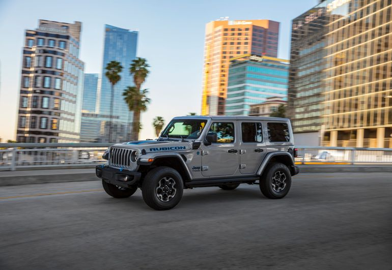 Nowy Jeep Wrangler 4xe dołącza do modeli Renegade i Compass 4xe oferowanych w globalnej gamie elektrycznych samochodów marki Jeep