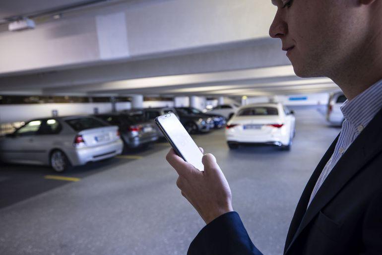Zautomatyzowane parkowanie bez udziału kierowcy