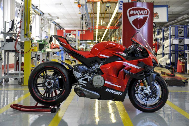 Ducati rozpoczyna produkcję Superleggera V4!