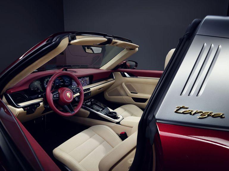 Porsche prezentuje model 911 Targa 4S Heritage Design Edition. Znamy cenę!