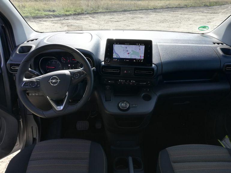 Opel Combo Life - kokpit