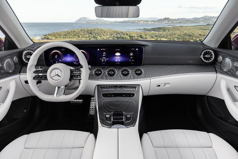 Pojemnościowe wykrywanie dotyku dłoni w kierownicy Mercedesa – o co w tym chodzi?