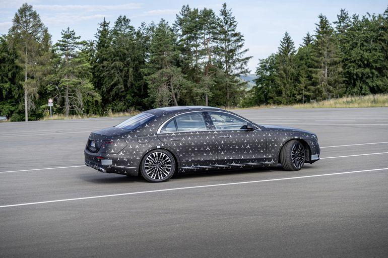 Nowy Mercedes-Benz Klasy S. Przegląd najważniejszych cyfrowych systemów bezpieczeństwa