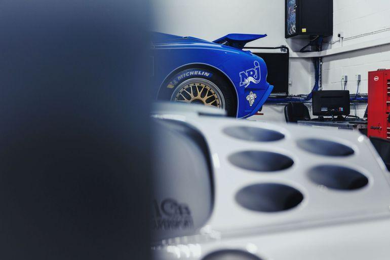 Dwa wyjątkowe Bugatti EB110
