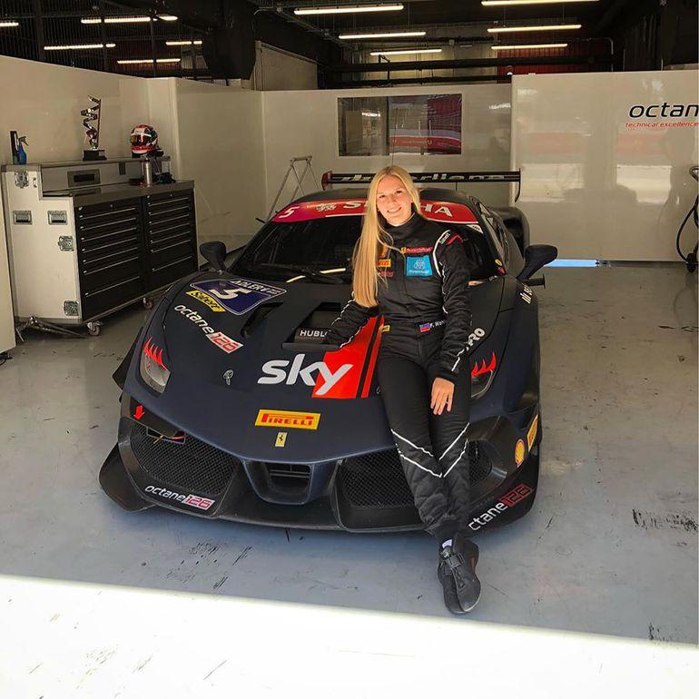 Fabienne Wohlwend na podium w Ferrari Challenge!